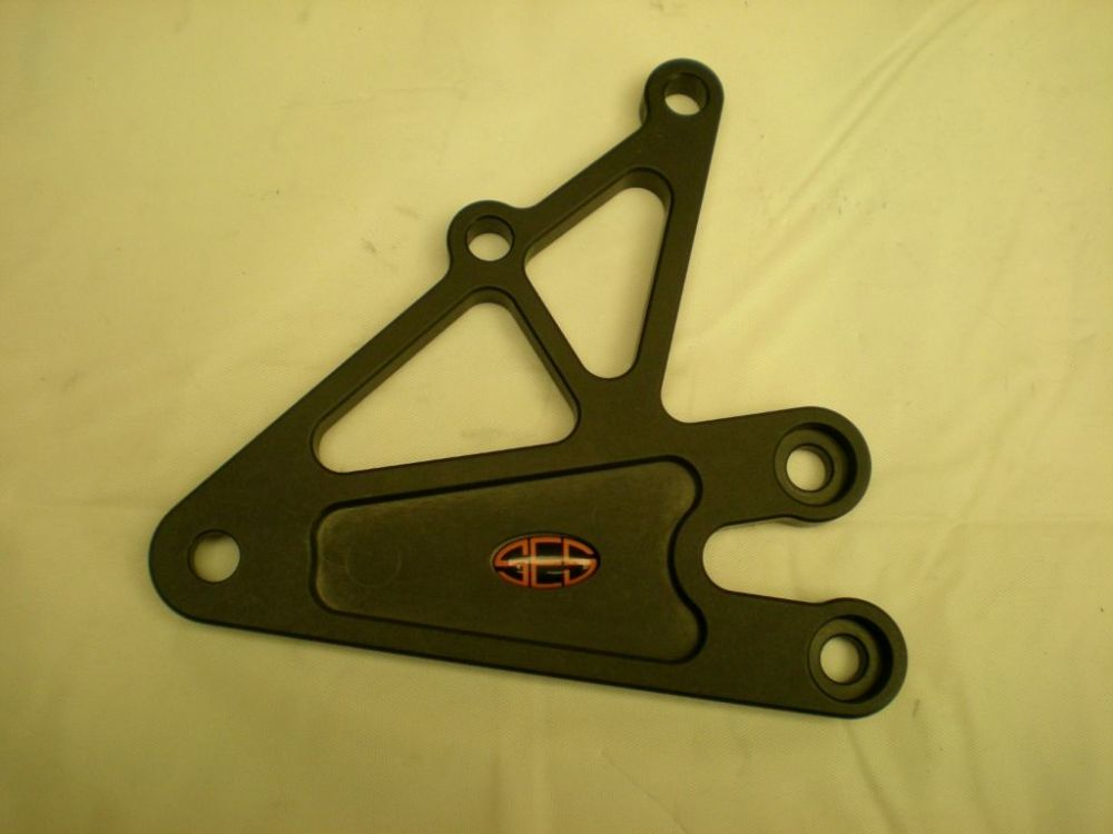 Right Hand Hanger Plate: Triumph 675 (06-16). RST002R-BK